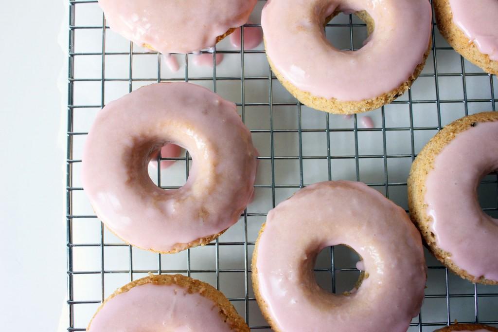 rhubarb-vanilla-bean-donuts-2