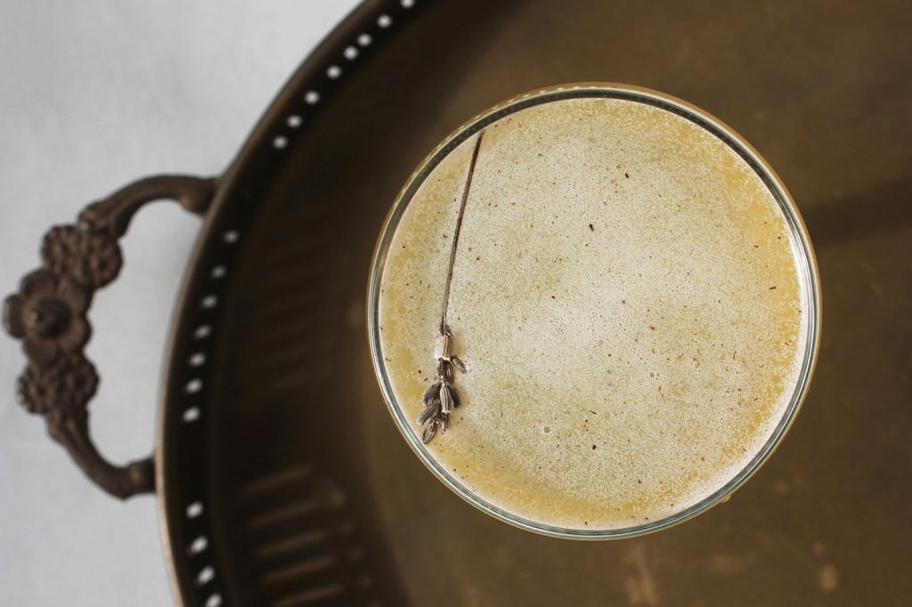 Lavender Gin Gimlet // Autumn Makes & Does