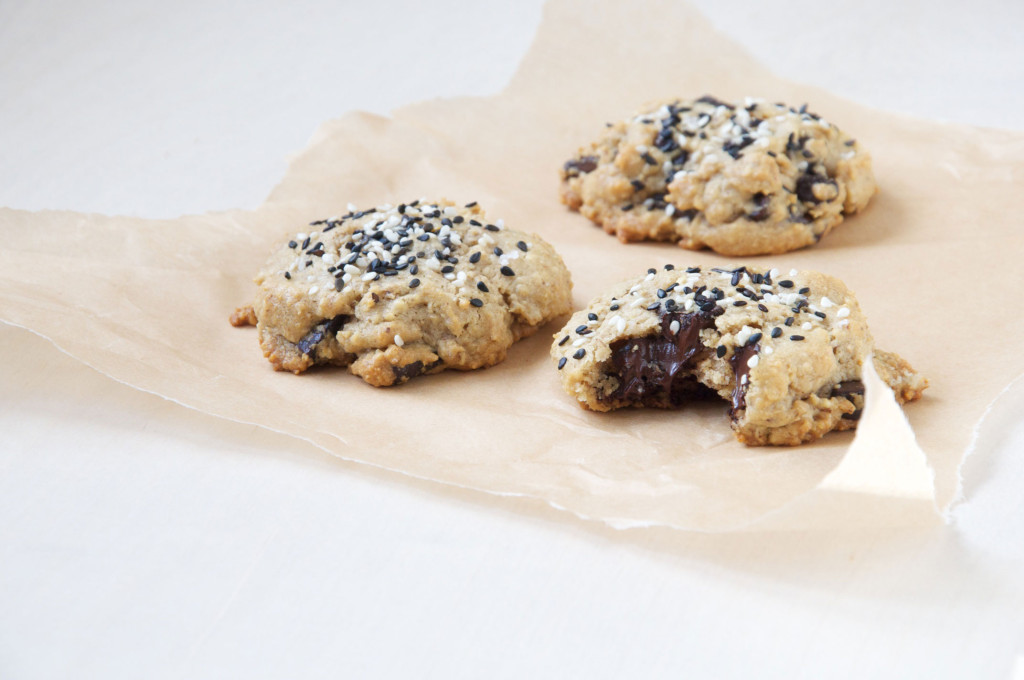 Gluten-free Tahini Chocolate Chip Cookies // Dula Notes on Autumn Makes & Does